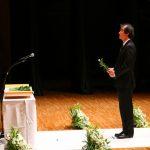 医学部教員代表 解剖学 上条桂樹教授の献花