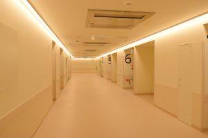 4階手術室前廊下